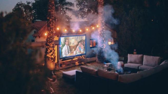 Imagina poder disfrutar del cine en cualquier lugar.