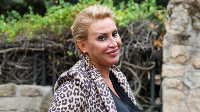 Raquel Mosquera por las calles de Madrid.