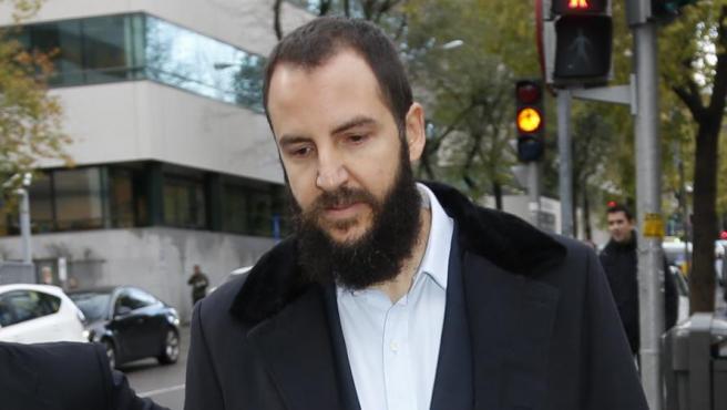 Borja Thyssen llegando al juicio por el presunto fraude fiscal.