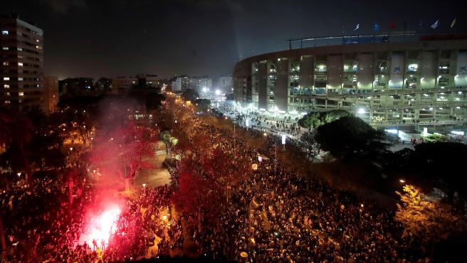 Vista aérea de la concentración de Tsunami Democràtic en los aledaños del Camp Nou.