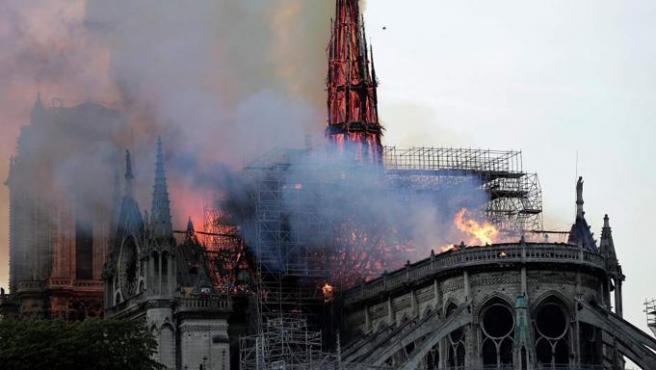 El incendio del 15 de abril de 2019 en la catedral de Notre Dame devastó gran parte del monumento, uno de los más visitados del mundo y un símbolo de la cultura europea.