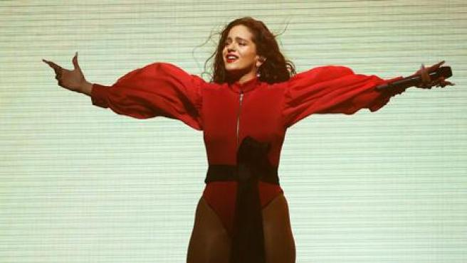 Rosalía es todo un fenómeno mundial, no en vano ha ganado el Grammy Latino a Mejor Álbum del Año, entre otros premios. Este 2019 ha actuado en Estados Unidos, Inglaterra, Portugal y España con su gira 'El Mal Querer'.