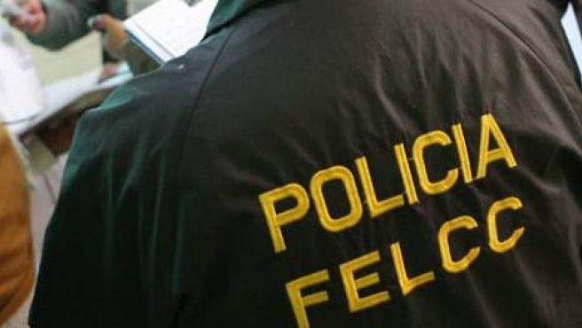 Un agente de la Fuerza Especial de Lucha Contra el Crimen de la Policía Boliviana, en una imagen de archivo.