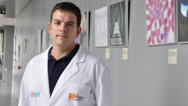 Alberto J. Schuhmacher, en su laboratorio.