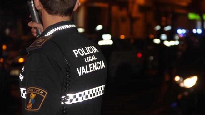 Imagen de recurso de un policía local de Valencia.