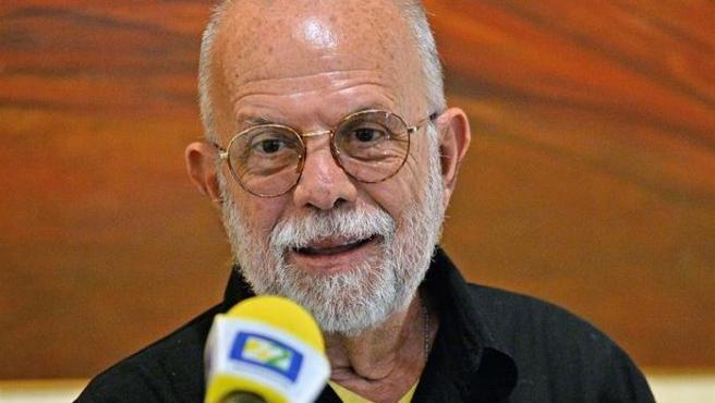 El cineasta mexicano Jaime Humberto Hermosillo, durante una rueda de prensa en Ciudad de México.