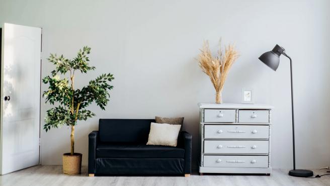 Una habitación de estilo minimalista