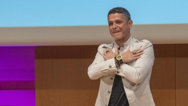 El cantante Alejandro Sanz, en un acto en Cádiz.