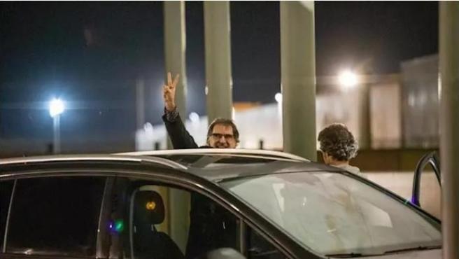Jordi Cuixart saliendo de prisión.