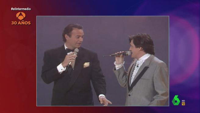 Bertín Osborne y Wyoming cantando juntos.