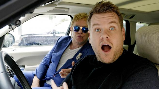 James Corden con Elton John en el Carpool Karaoke.