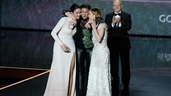 Celia Flores, Maria Esteve y Tamara Gades reciben el Goya de Honor otorgado a su madre Pepa Flores