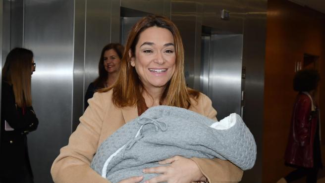 La presentadora Toñi Moreno ha recibido el alta médica tras dar a luz a su primer bebé