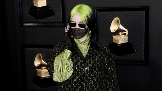 Billie Eilish en su llegada a la alfombra roja de los Premios Grammy 2020