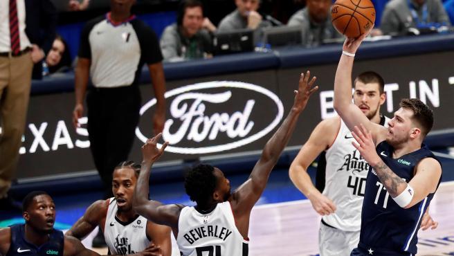 Luka Doncic, durante el Mavs - Clippers que homenajeó a Kobe Bryant.