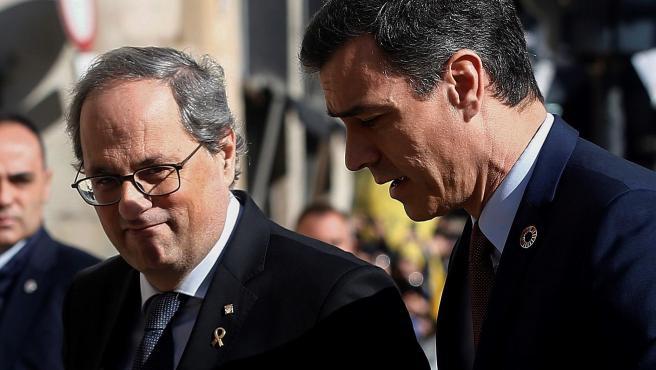 El presidente catalán, Quim Torra, recibe al presidente del Gobierno, Pedro Sánchez.
