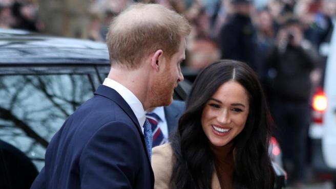 El príncipe Harry, junto a Meghan Markle.