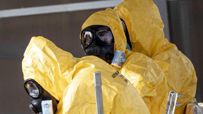 Trabajadores sanitarios con mascarillas para evitar el contagio del coronavirus.