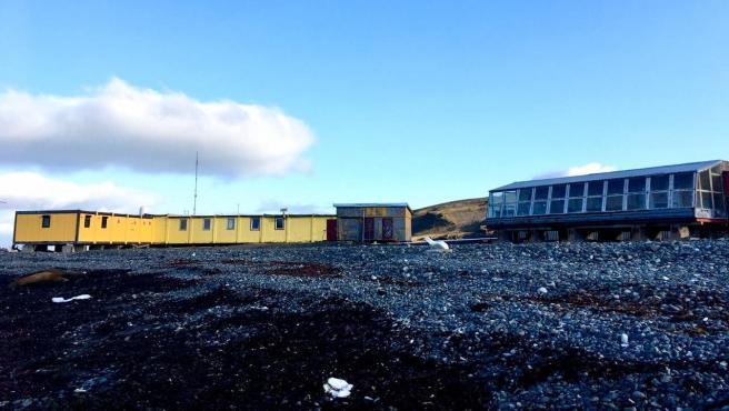 La base polaca Arctowski, en la isla Rey Jorge, sin nieve.
