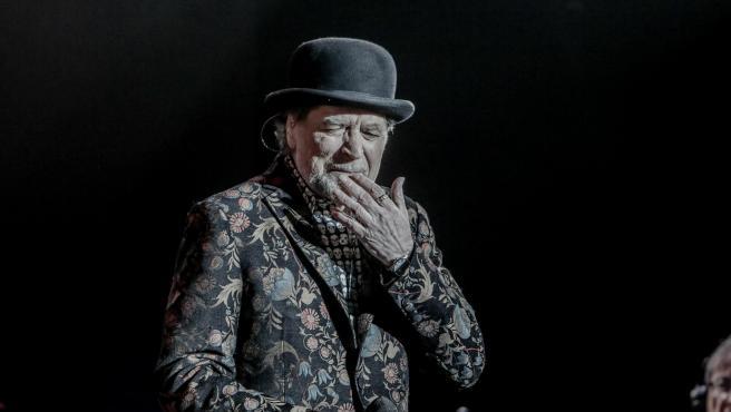 Joaquín Sabina durante una actuación.