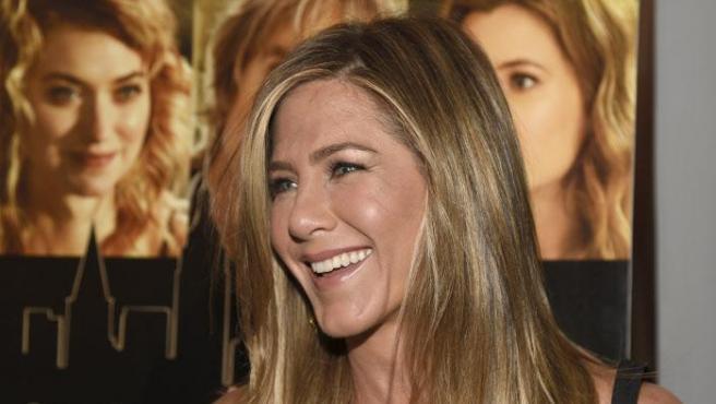 Jennifer Aniston en la premiere de She's Funny That Way