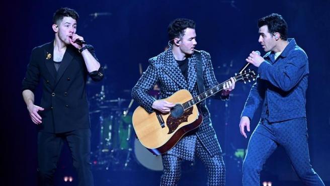 El grupo estadounidense Jonas Brothers, durante su concierto en el Wizink Center de Madrid.