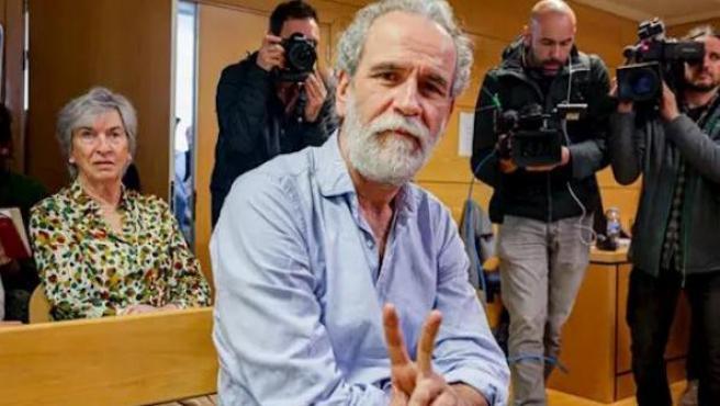 Willy Toledo, en el banquillo de los acusados en el juzgado de lo Penal 26 de Madrid.