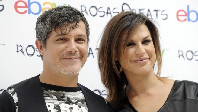 Alejandro Sanz y Raquel Perera, en junio de 2014.