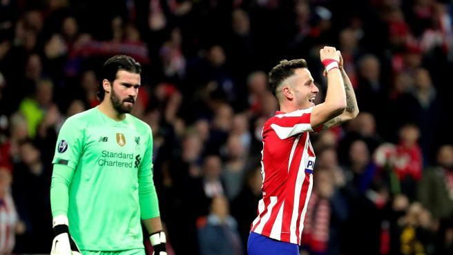 Saúl celebra su gol contra el Liverpool