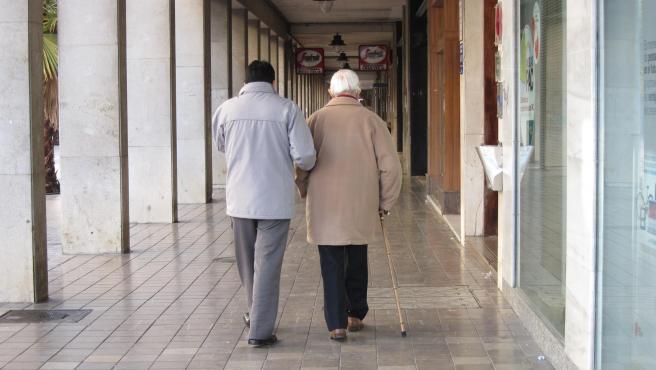 Anciano en una imagen de archivo