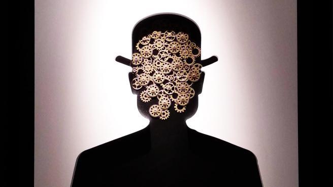 El hombre imposible (que Magritte no imaginó), por Moisés Bentata.