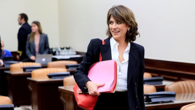 La exministra de Justicia, Dolores Delgado, a su llegada a su comparecencia este jueves ante la Comisión de Justicia del Congreso.