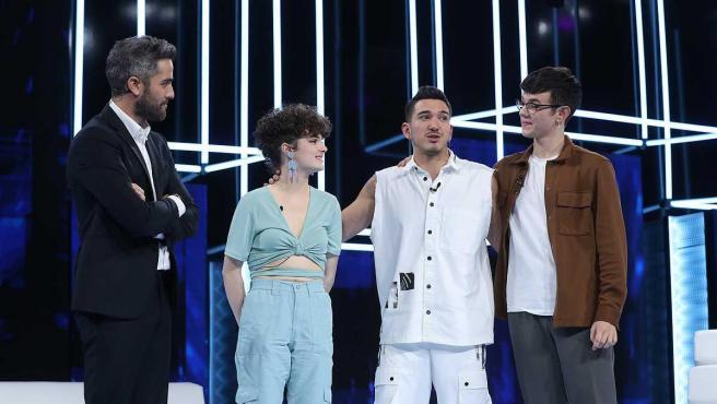 Roberto Leal y los nominados de la Gala 5, Anne, Bruno y Flavio.