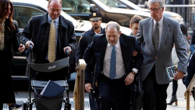 El ex productor de cine Harvey Weinstein, a su llegada al Tribunal Supremo del estado de Nueva York para escuchar el veredicto del jurado en su juicio.