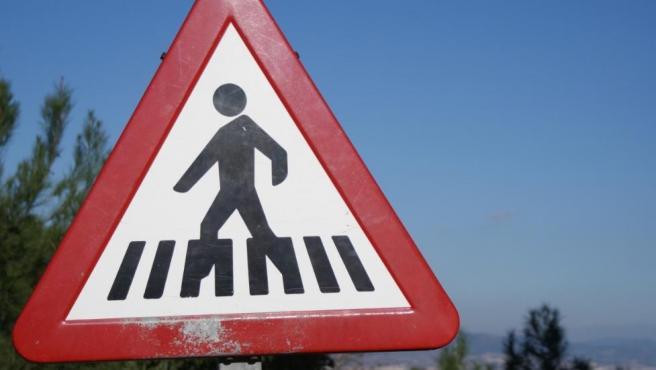 No respetar la prioridad de peatones y ciclistas conlleva pérdida de puntos en el carnet