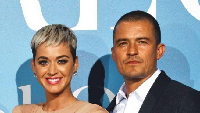 """Katy Perry ha confirmado la feliz noticia de que está esperando un hijo junto a Orlando Bloom, su pareja desde hace años. """"Hay muchas cosas que sucederán este verano. No solo daré a luz, literalmente. Estoy emocionada, estamos emocionados y felices. Es probablemente el secreto más largo que he tenido que guardar"""", desveló la artista."""