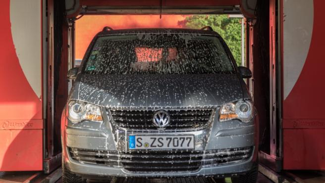 Llevar la matrícula sucia o deteriorada puede conllevar una multa de 200 euros.