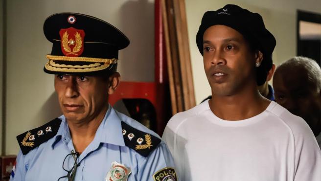 Ronaldinho, detenido en Paraguay