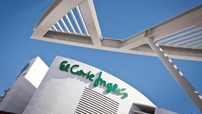 Coronavirus.- Más de 300 tiendas de alimentación de El Corte Inglés han abierto