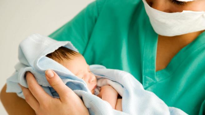 La COVID-19 no tiene consecuencias graves en la embarazada, pero ...