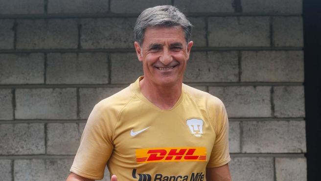 Michel González, entrenador de Pumas.