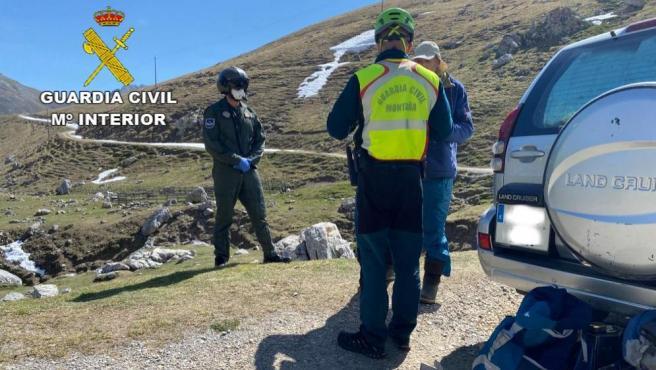Vecino denunciado por la Guardia Civil por acampar en los Picos de Europa.