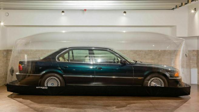 BMW 740i único conservado en una cápsula desde 1997.