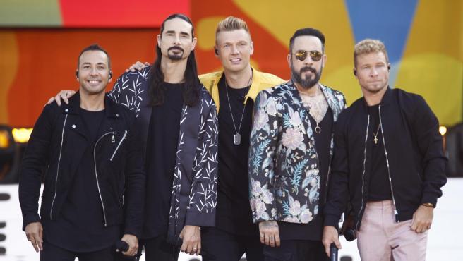 Howie Dorough, Kevin Richardson, Nick Carter, AJ McLean y Brian Littrell (Los Backstreet Boys).