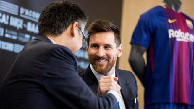 Josep Maria Bartomeu y Leo Messi