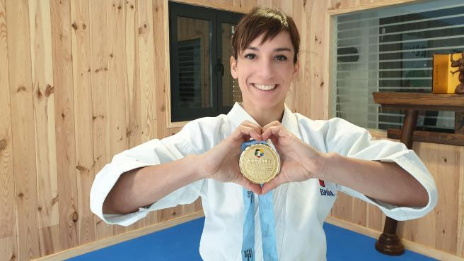 Sandra Sanchez, con su primera medalla del circuito mundial de karate.