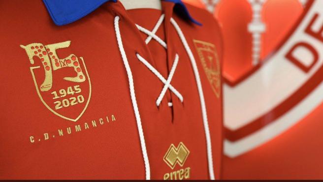 Imagen que conmemora el 75 aniversario del club de Soria.