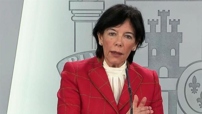 Captura de la señal institucional de Moncloa de la comparecencia de la ministra de Educació, Isabel Celaá.
