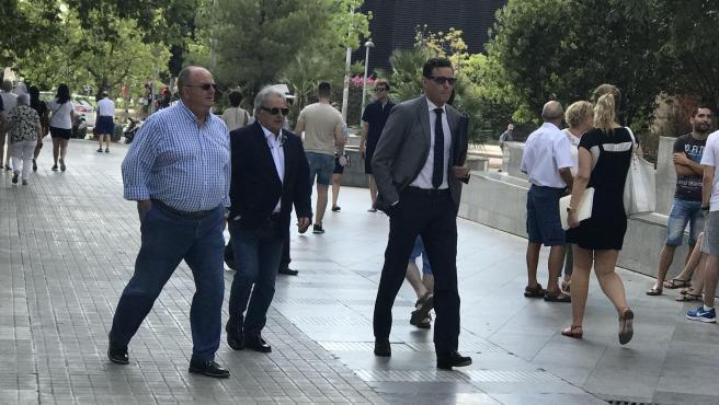 L'expresident de la Diputació de València, Alfonso Rus, al costat del seu advocat