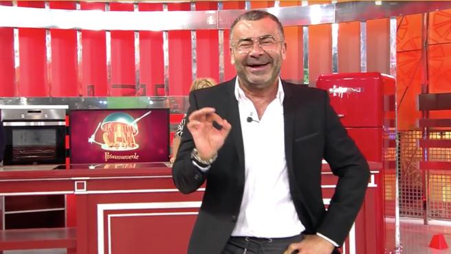 Jorge Javier Vázquez anuncia en 'Sálvame' los concursantes de 'La última cena'.